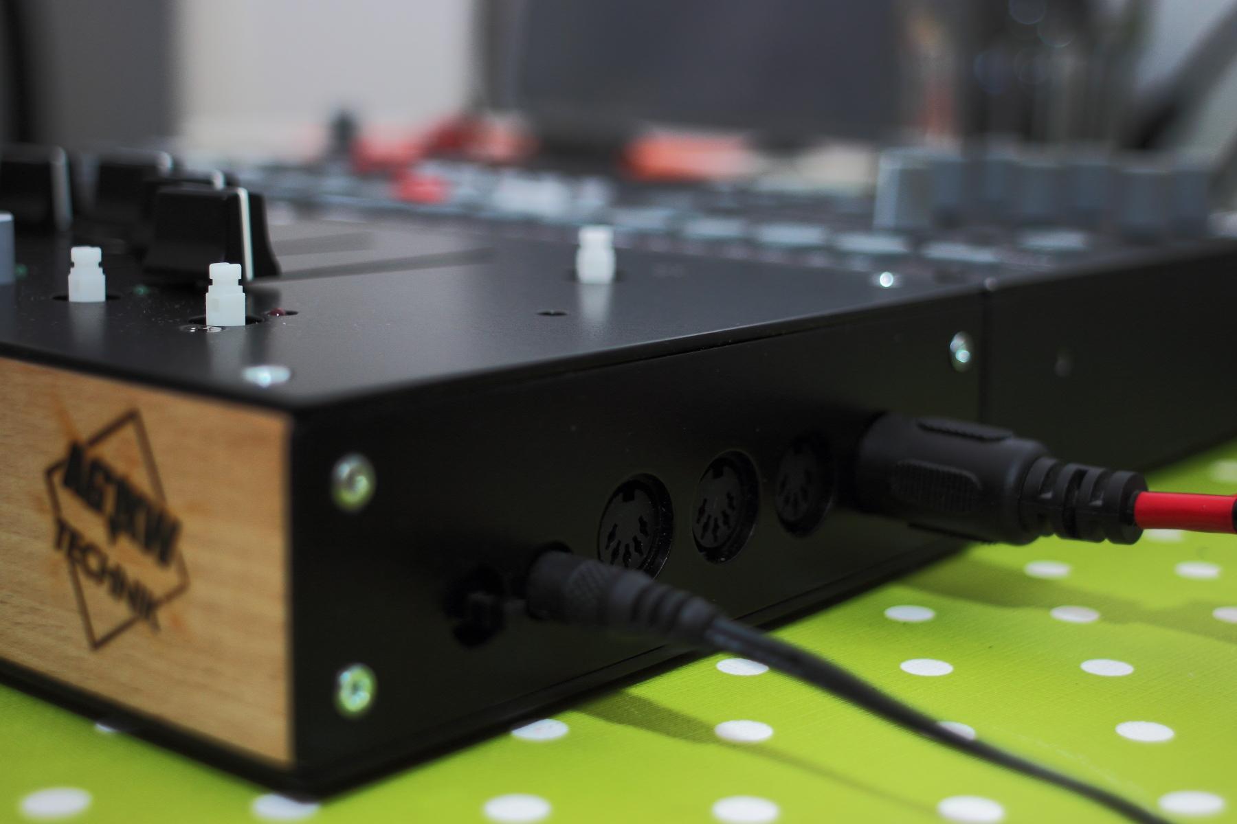 OKTAKONTROL prototype